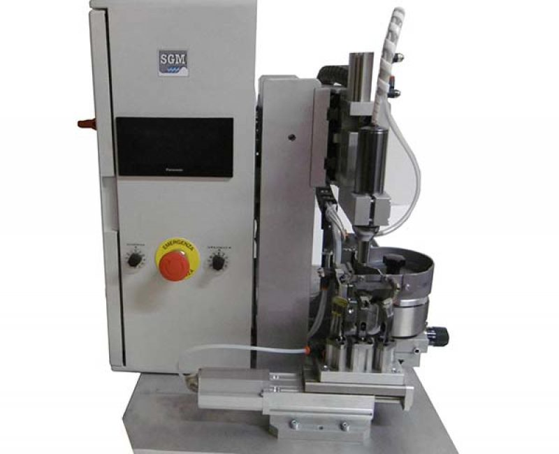 Semi-automatic screwing machine at 4 positions