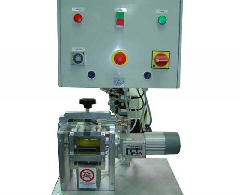 Calender bending machine